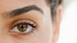 FLAWLESS EYEBROWS IN 4 EASY STEPS - Salon Vong Inc.
